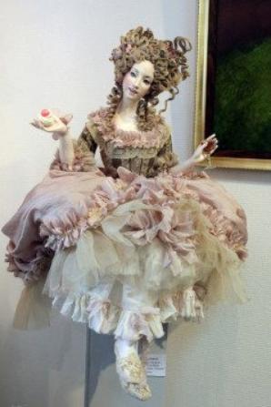 Sasha Khudyakova : Poupée en porcelaine