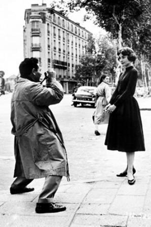 Audrey Hepburn photographié par Sam Shaw à Paris, 1957