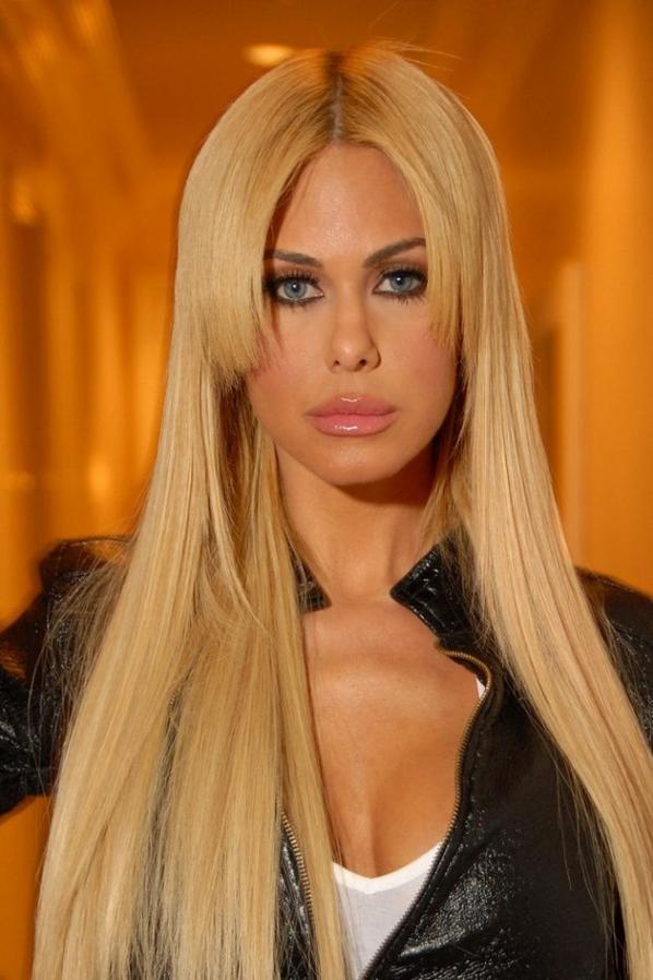 Belle blonde : Shauna Sand