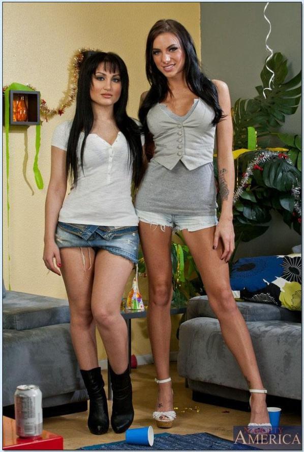 Gabriella Paltrova & Juelz Ventura