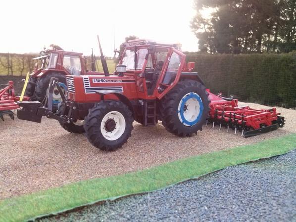 préparation des sols avec le f130 et le 130