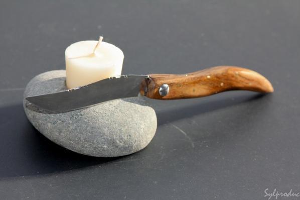 10ème couteau style pied monté