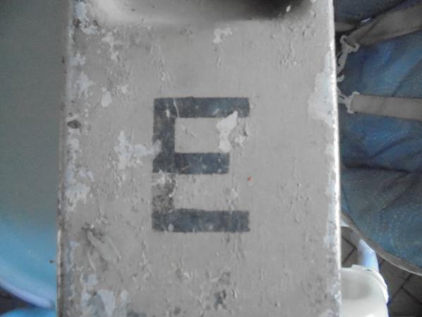 caisse MG pour pieces de rechange MG
