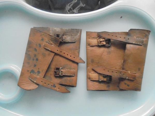 paire de guetres en cuir militaire ou civil ???