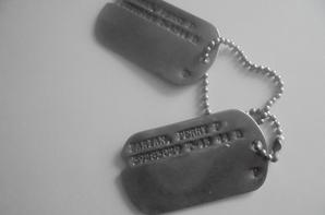 dog tags de PERRY zakian