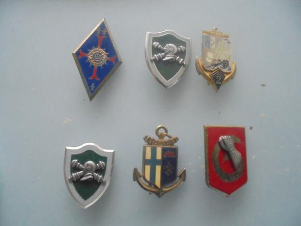 lot d insignes metallique francais