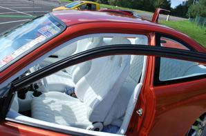 Honda Civic avec face avant d'une BMW