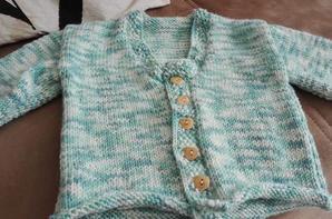 voici tt ce que je viens de tricoter pour mon amour de niece  plus un beret que je n'ai pas en photo