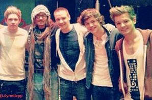 Johnny Depp : Il invite les One Direction pour faire plaisir  à sa fille Lily Rose