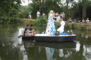 """bateaux fleuris theme """"disney"""" et animations a st amand de sevrè"""