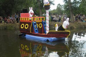 """bateaux fleuris theme """"disney"""" et animations a st amand de sevrè 5"""