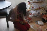 ouverture des cadeaux de noel avec ma fille et ma soeur
