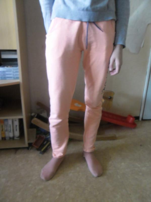 le nouveau pantalon de survet que j'ai acheter a ma fille a gemo