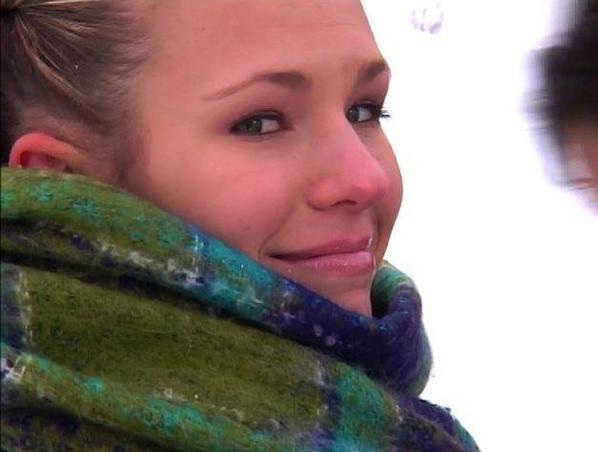 j'adore son regard , son sourire , elle est tellement belle une princesse et je l'adore