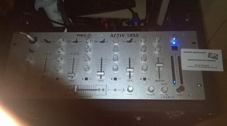table de mixage bst 105s