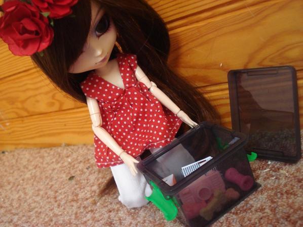 Aoline et sa petite boîte [Séance Photo~1]