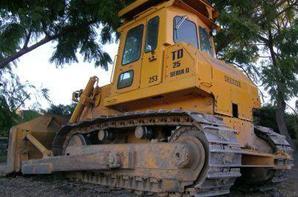 Bulldozer Komatsu D8 Excellent etat