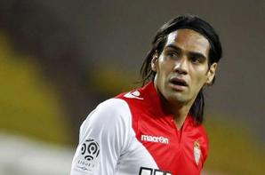 Radamel Falcao Vs Edinson Cavani