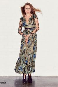 Cara Delevingne prend la pose sur la couverture de Juillet du magazine Vogue. Qu'en pensez vous?