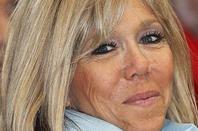 Brigitte Macron une premiere dame qui sait masquer son age par le sourire
