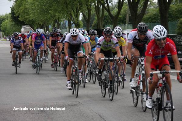 GHLIN  ACH 15/08/2013 encore un sprint massif , peloton ...+pb mecanique  dans le dernier tour