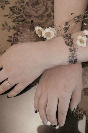 Bracelets de fleurs 2