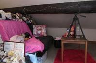 Une partie de ma chambre (oui elle est trés grande ;p) et ma tête xp