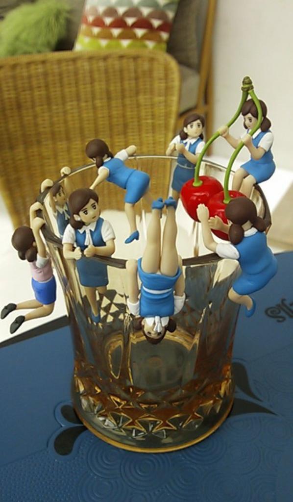japanese capsule-toy : FUCHIKO of glass