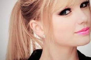 Taylor Swift!!!!