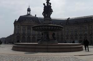 Bordeaux (sous la pluie --' )