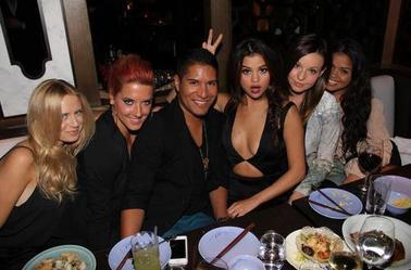 7 novembre: Selena à Flaunt Magazine Party à Beverly Hills, Los Angeles