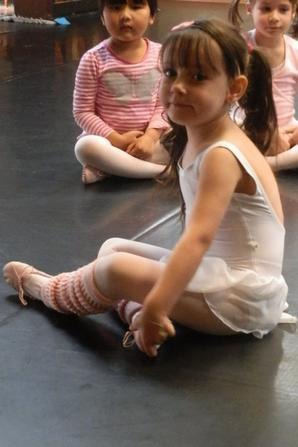 2 eme cour de danse :) elle est trop belle ma chipie d'amour <3