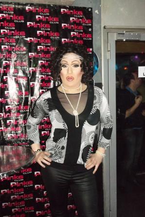 Miss Johana Divina animatrice du Pink's Club a LYON !!!