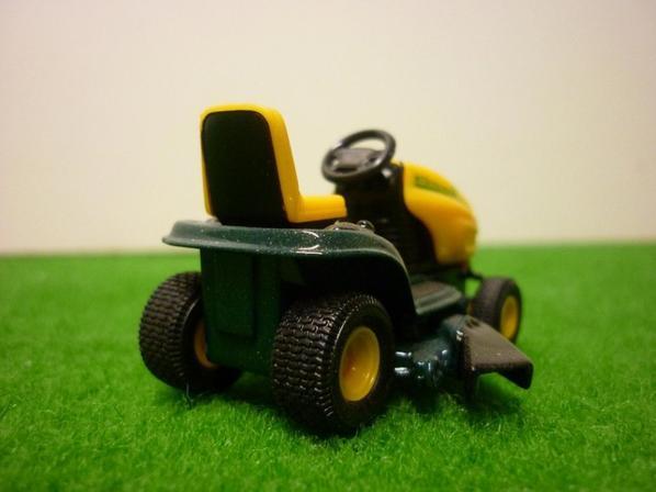 le 5820 est un peu gros pour ma pelouse...