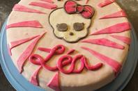 faire une déco de gâteau en pate à sucre