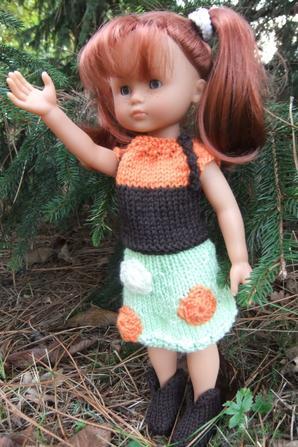 Telle un petit lutin dans les arbres: voici Marie dans une nouvelle tenue!