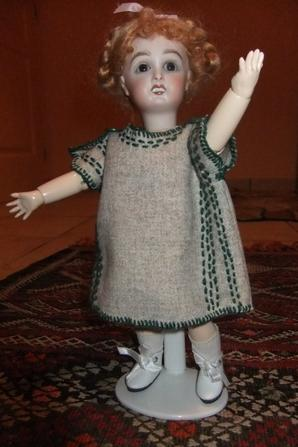 Une robe simple pour Bleuette: modèle de juin 1921