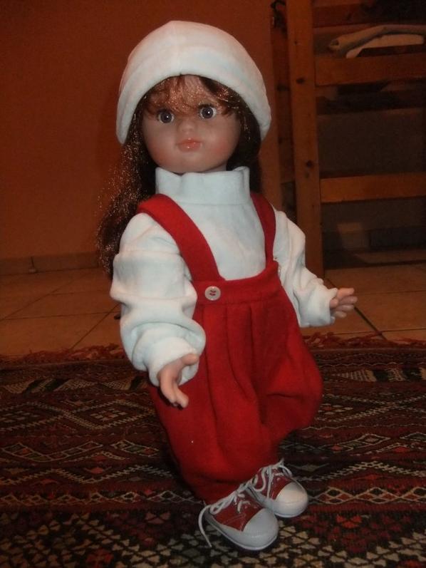 Emilie toujours bien chaudement vêtue!