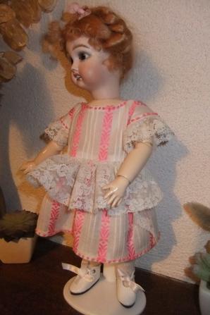 Une nouvelle robe pour Bleuette!