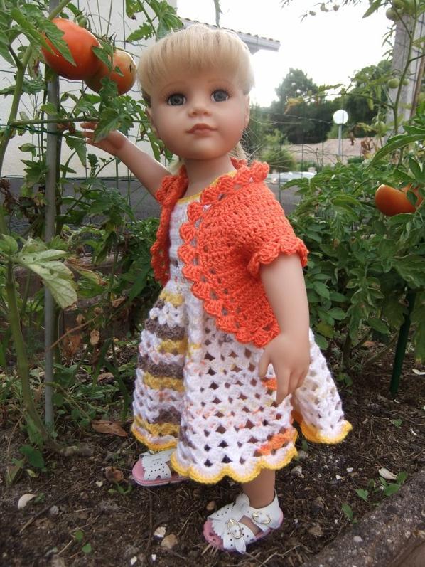 Hannah aime les tomates!