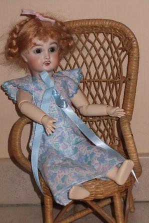 Bleuette a voulu rester toute la journée avec son nouveau déshabillé!