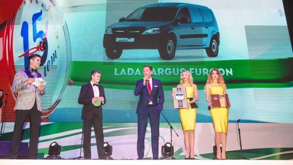 LADA KALINA Cross et LADA LARGUS Fourgon voitures de l'année en Russie !!!