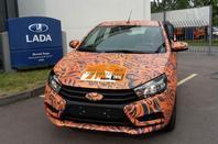 La LADA XRAY voit rouge, pendant que la LADA VESTA Sedan passe à l'orange !!!
