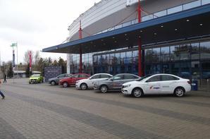 Une LADA VESTA Sedan bicolore noire et blanche présentée à Iaroslavl !!!
