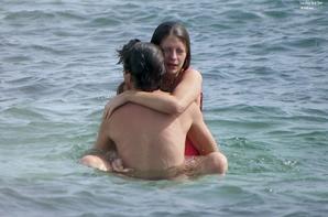 Misha Barton a été aperçue avec son boyfriend à la plage à Formentera   le 25 Juillet 2012