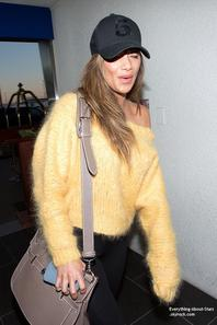 01/02/14: Nicole Scherzinger aperçue à l'aéroport de LAX à Los Angeles