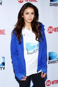 """01/02/14: La belle Nina Dobrev aperçue sur le tapis bleu des """"DirecTV Beach Bowl durant le week end consacré au Super Bowl à New York"""