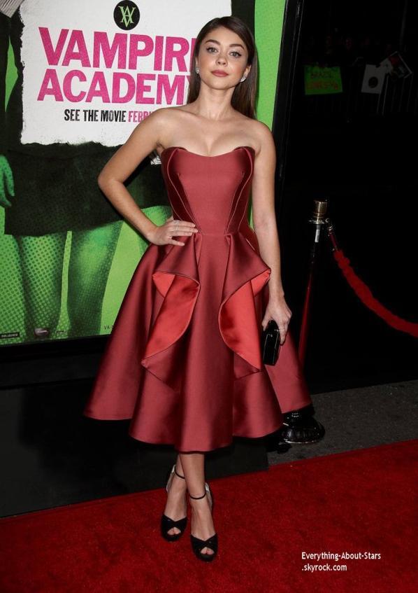 """05/02/14: Sarah Hyland à la première de """"Vampire Academy: Blood Sisters"""" à Los Angeles"""