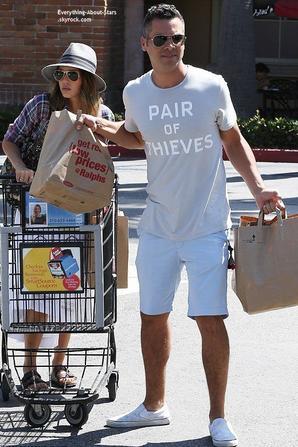 30/08/14: Jessica Alba et son mari Cash Warren aperçue à la sortie d'un supermarket à Malibu