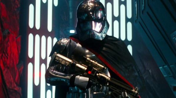 Lego Star Wars : La minifig officielle de Captain Phasma ?